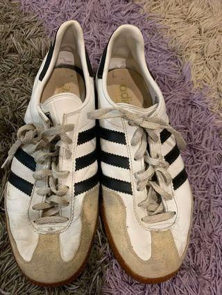 VINTAGE ADIDAS UNIVERSAL MADE IN WEST GERMANY