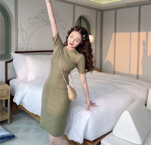 Army green knitted bodycon fit to body