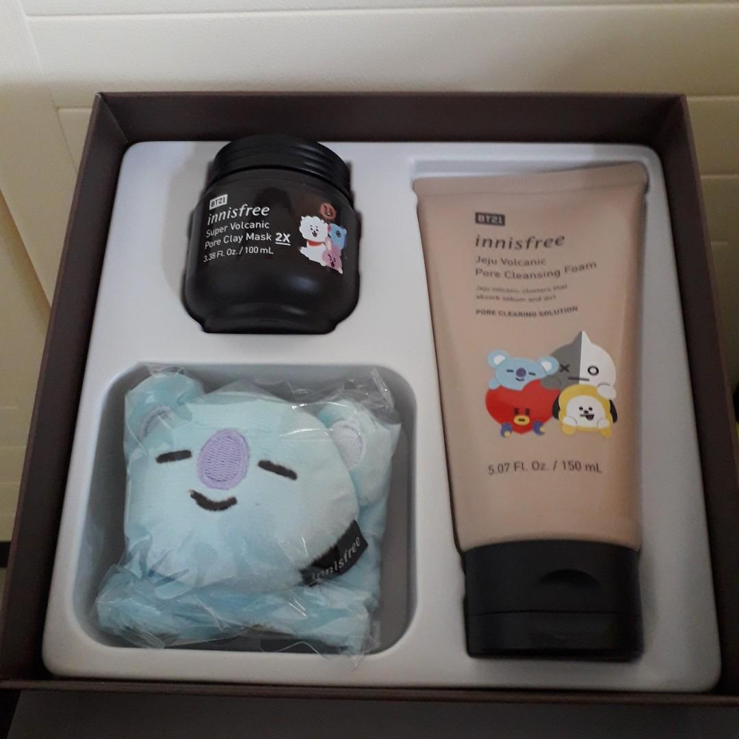 BT21XInnisfree Volcanic Pore Clay Mask & Cleansing Foam Special Set with Koya headband