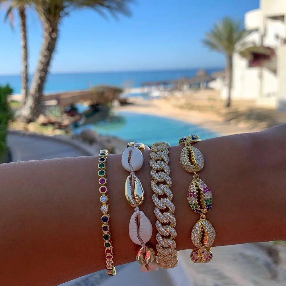 Hot selling shell bracelets rainbows and white crystals