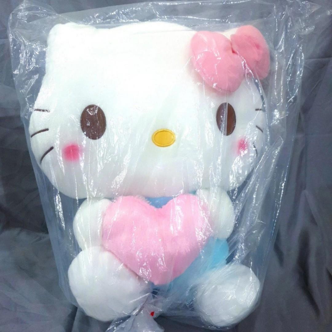 [INSTOCKS] Toreba Hello Kitty - Mega Jumbo Pastel Heart Plushie