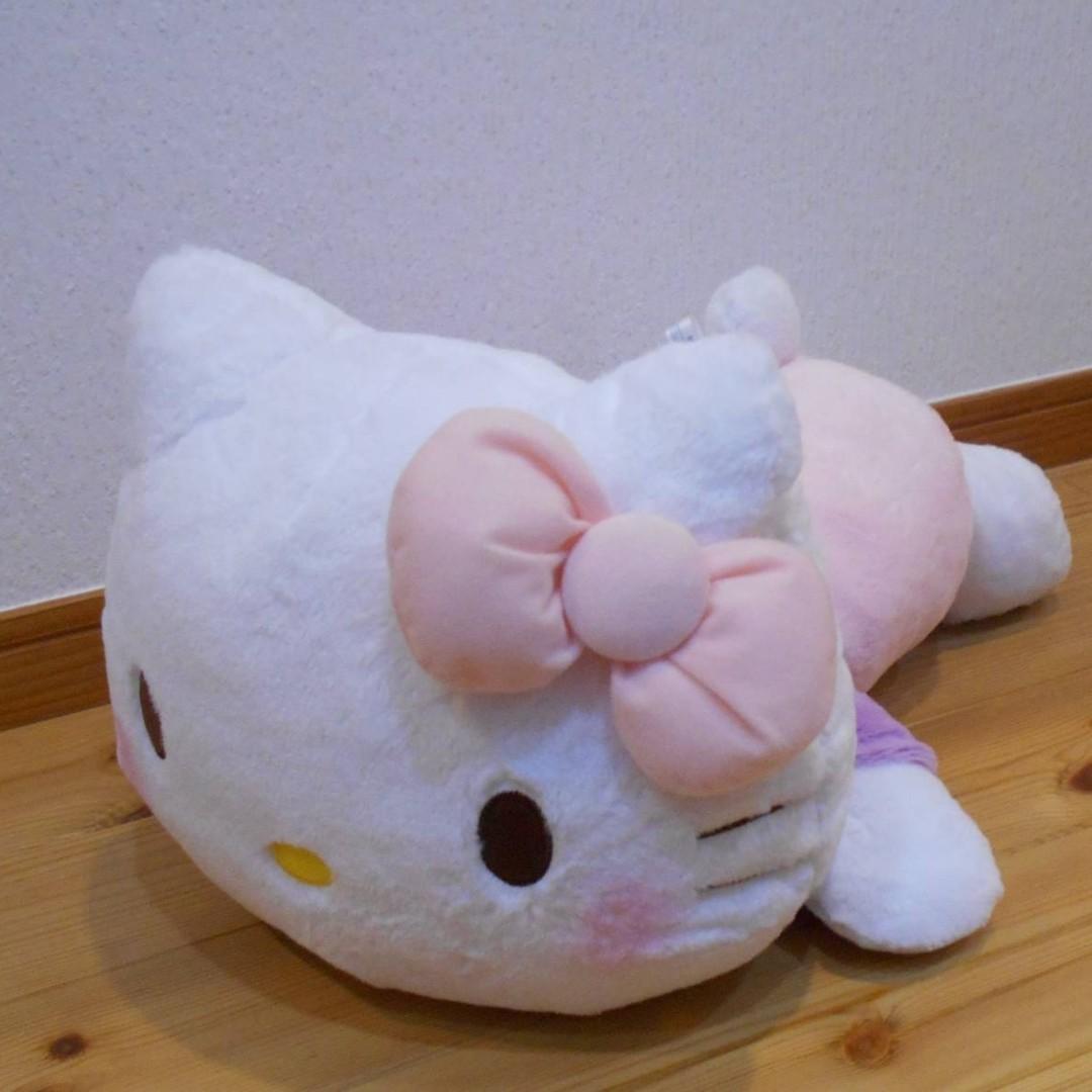 [INSTOCKS] TOREBA Hello Kitty - Red Cheek Giga Jumbo Light Pink x Purple Lying Down Plushy
