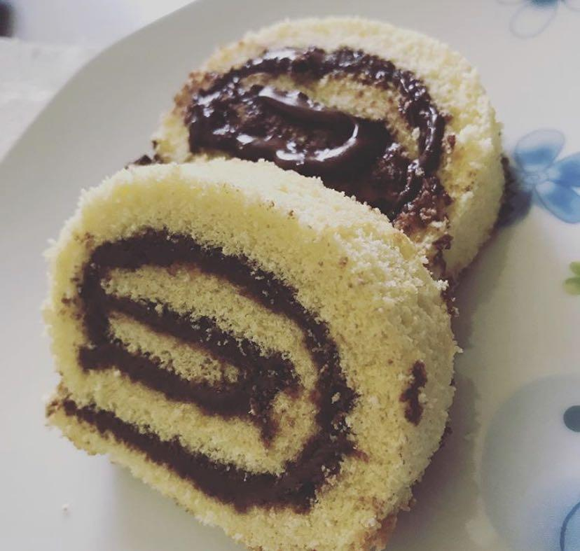 Nutella roll cake