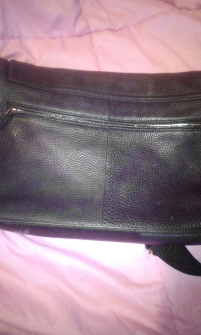 Oroton black bag used for lap tops bk pocket inside pockets large bag