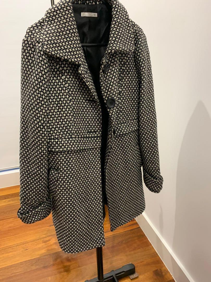 Warm winter wooly coat size 12 polka dot workwear sophisticated