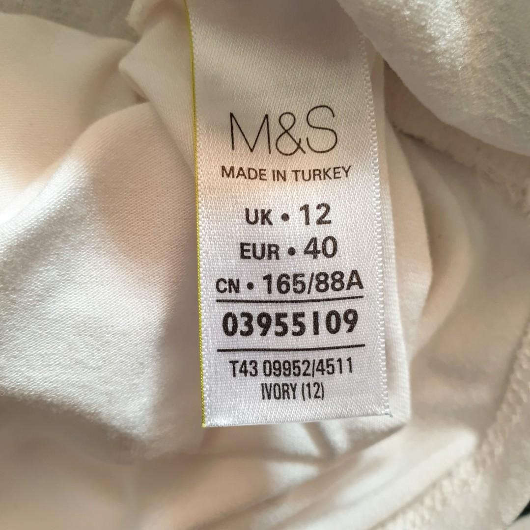 Women's size 12 'MARKS & SPENCER' Gorgeous ivory textured long sleeve blouse top - AS NEW