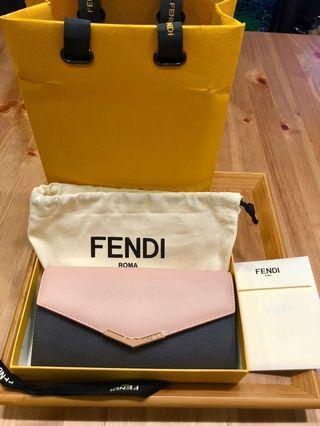 Fendi粉黑金釦小Logo長夾