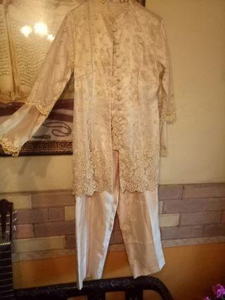 Kebaya Set Gold