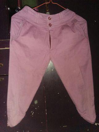 celana ungu