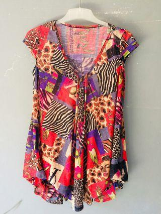 Blouse Abstrak