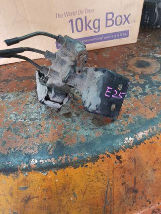 Nissan e25 body valve