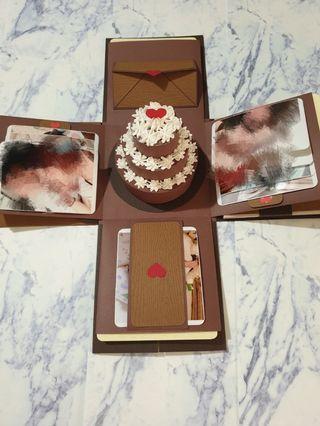 高質感木紋-爆炸卡片禮物盒(含小蛋糕,紙袋)