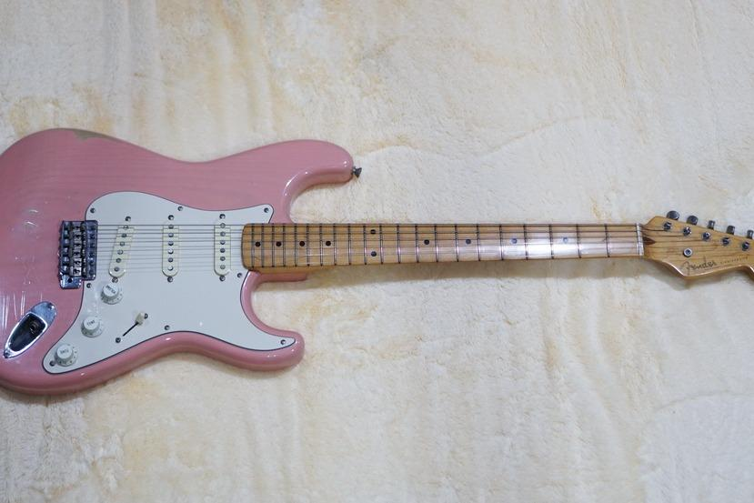 1993 Fender Reissue'54 Stratocaster in Transparan Shell Pink JAPAN