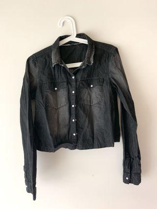 黑色短版牛仔上衣/外套✨