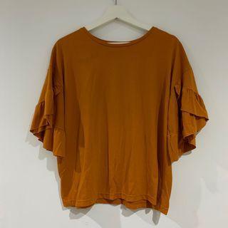 土色/暗橘色上衣