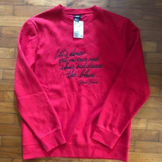 H&M red pullover