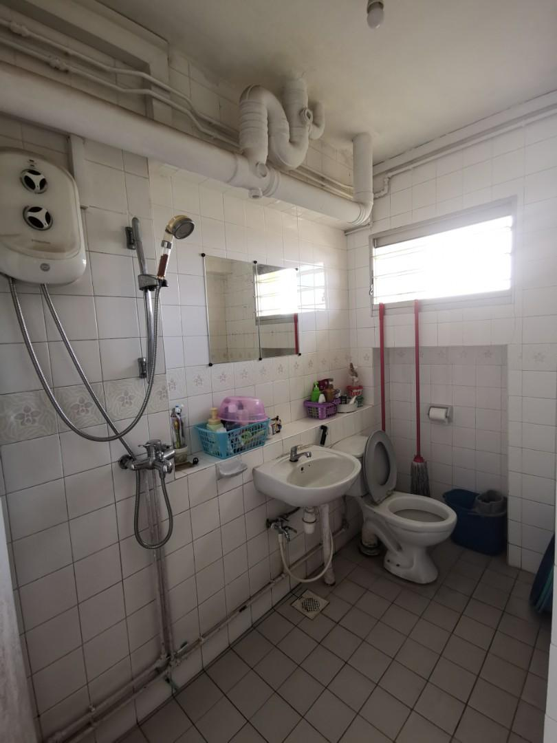 Toilet tiling work package