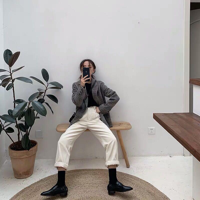 Oversized straight legged pants white by FFAN / Size M