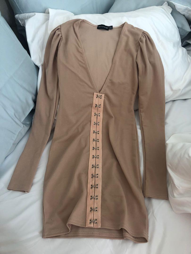 Pretty little thing nude long sleeve v plunge bodycon dress