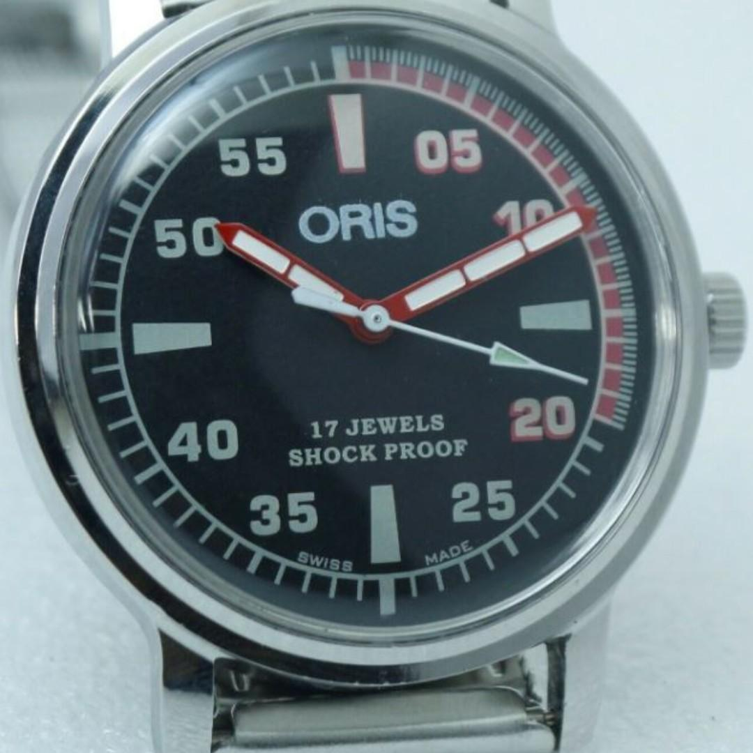 Rare Vintage ORIS Men's Watch. Refurbished Working Condition. 17 Jewels Black Dial Hand Winding Watch.