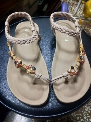 女鞋 只有試穿一次