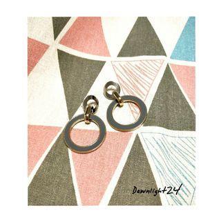 金屬個性風耳環