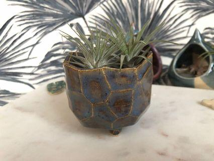 🚚 Handmade ceramic Planter with facets, coloured in blue and brown tones