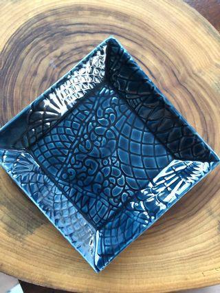 🚚 Handmade ceramic Square Dish (small), lace imprint design (storm blue)