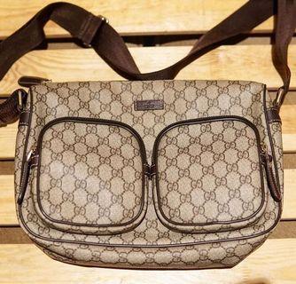 TAS GUCCI GG Supreme Crossbody Bag