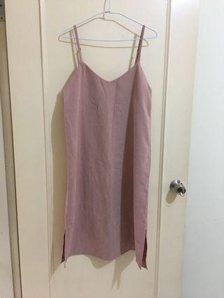 NET藕粉紅細肩帶洋裝