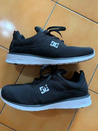 DC shoes 99%new 26cm uni lite