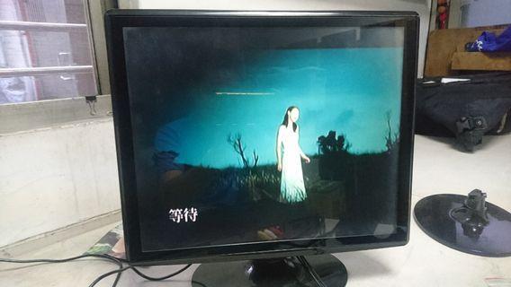 """17""""電視"""