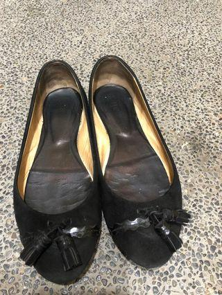 買🉐️大降價-Tods 黑色麂皮流蘇娃娃鞋
