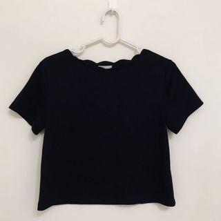 GU 黑色花邊領短版T-shirt