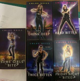 🚚 A  Chicago Vampire Novel Series - Chloe Neill