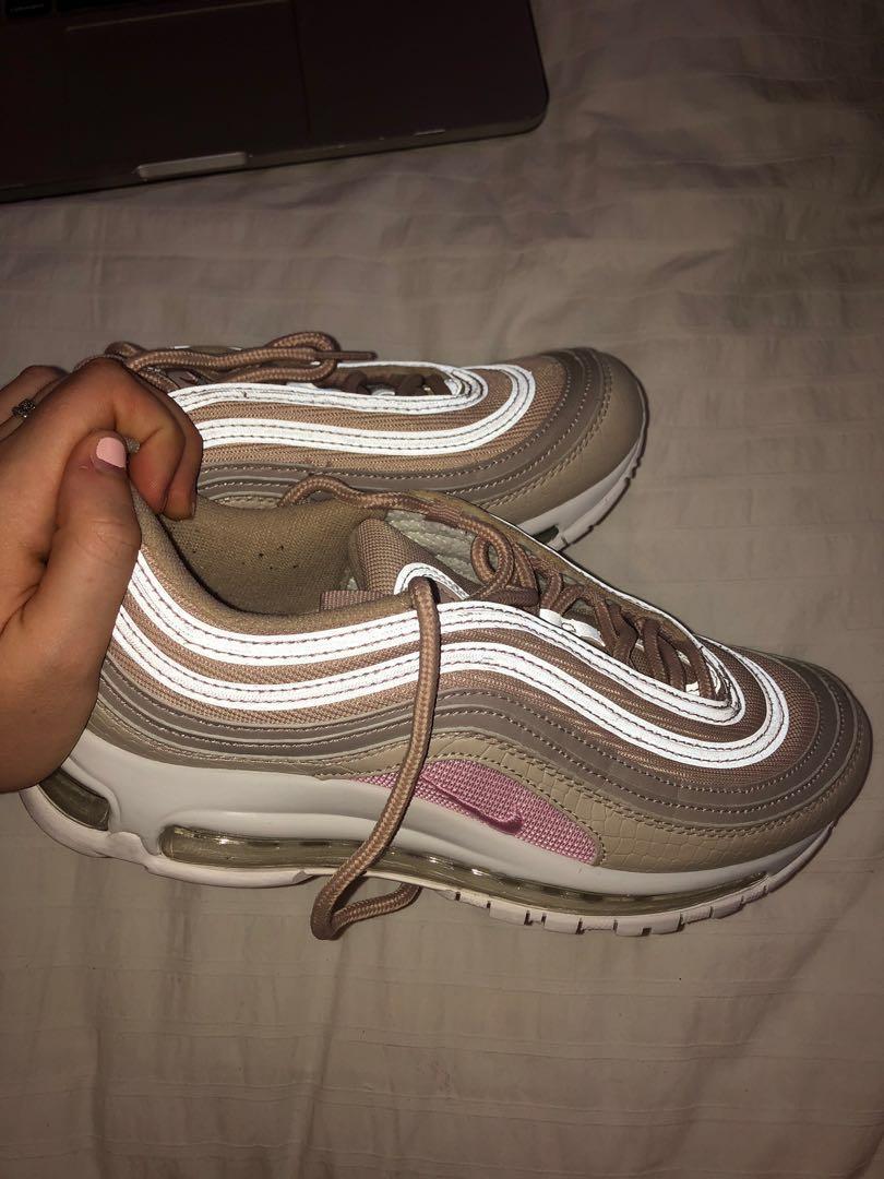resumen Motivar empujoncito  Nike Air Max 97 Baby Pink, Women's Fashion, Shoes, Sneakers on ...