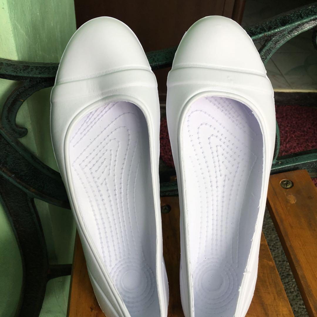 White Sandals/Doll Shoes for nursing or