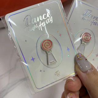 TWICE OFFICIAL BADGE [DANCE THE NIGHT AWAY]