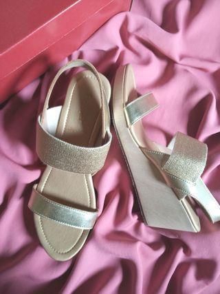 Wedges Heels Sepatu hak tinggi Fladeo