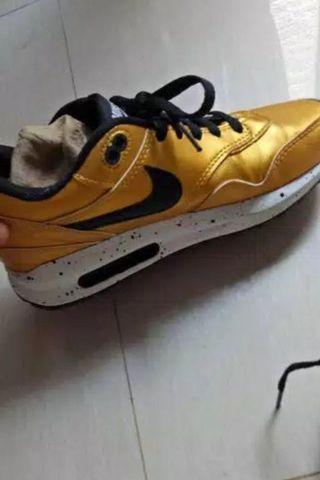 Sport Shoes/ Sepatu 38/ Nike
