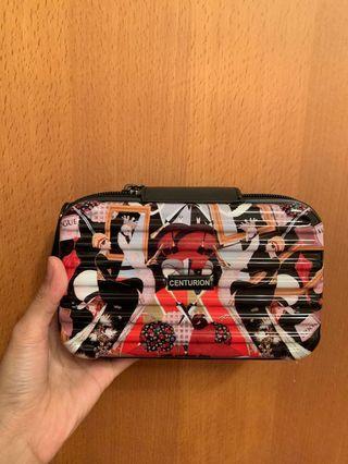 Vogue 行李箱型化妝包