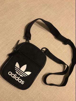 《二手》Adidas original Festival  黑 側背 小包 腰包 小背包