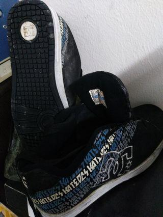 Dc  shoe made in Korea size uk9