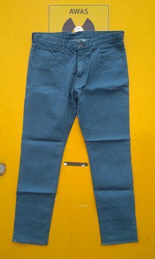 Uniqlo Stretch Color Jeans