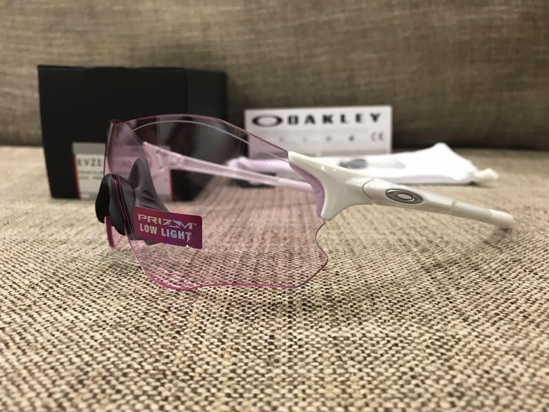 Oakley™️ EVZERO Asian Fit (Polished White/Prizm Low Light) OO9313-1738