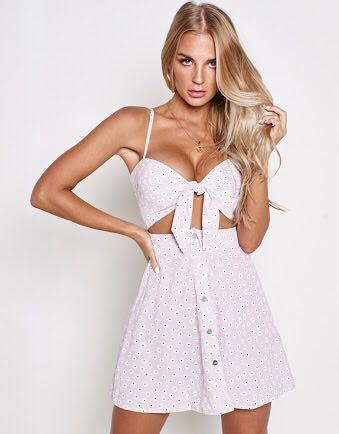 Popcherry never be the same dress in light purple with white daisies size 10