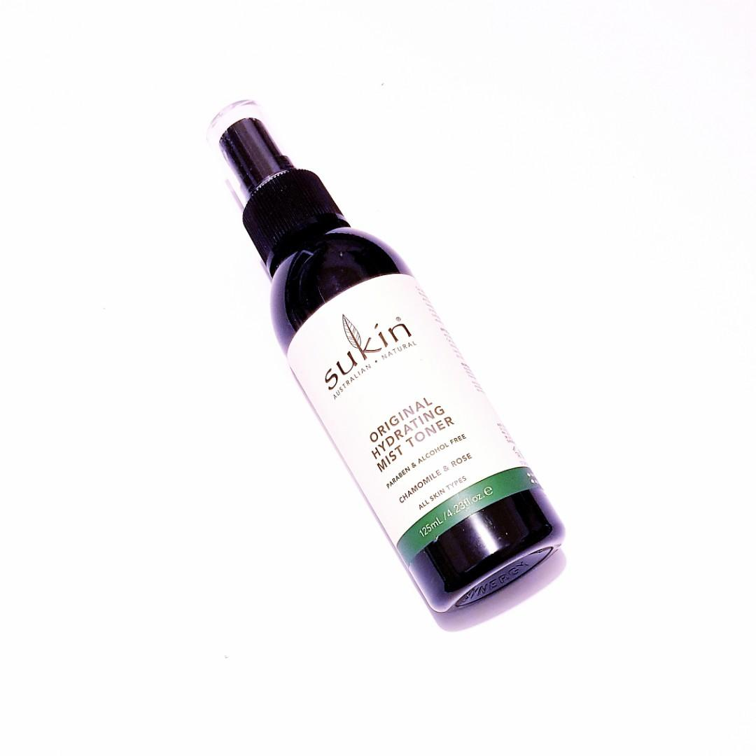 Sukin Australian Natural All Skin Types Paraben and Alcohol Free Original Hydrating Chamomile and Rose Spray Mist Toner