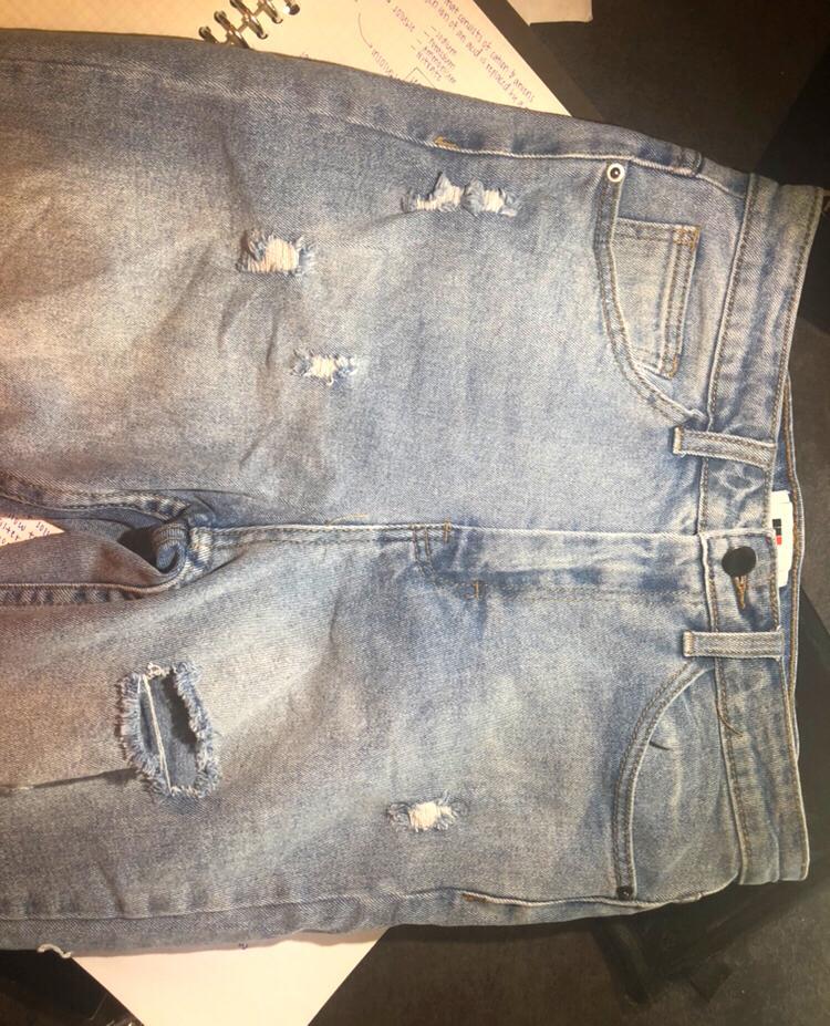TEMT Light Denim Butt Slit Ripped Jeans