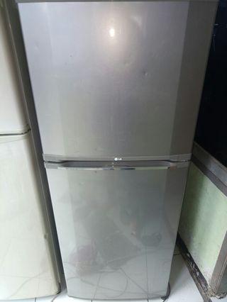 Kulkas merk LG 2 Pintu Siap Pake Normal Mesin Ori di Bogor Kota