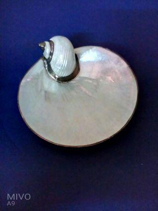 Pearl shell with gold plated